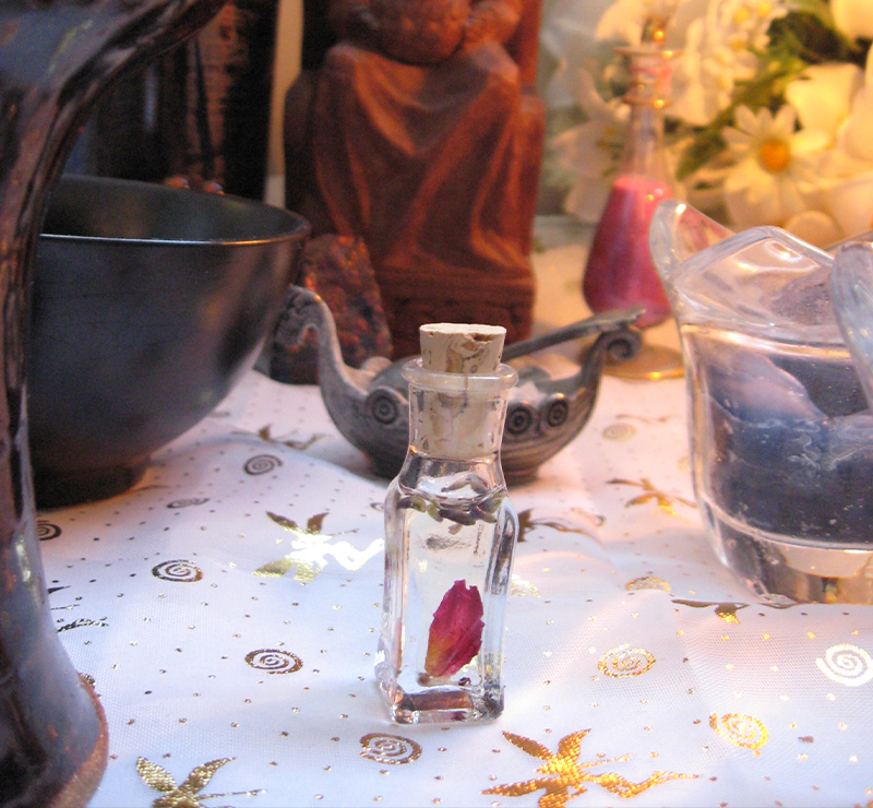 WITCHY – Imbolc Altar Magick